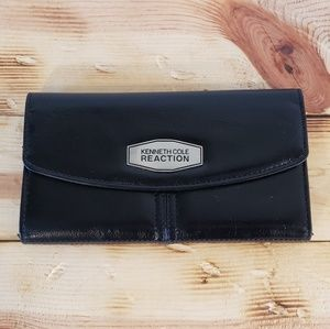 Kenneth Cole Reaction leather clutch wallet NEW